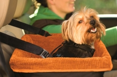 dog-travel-bag-warm-dog-car-seat-with-dog